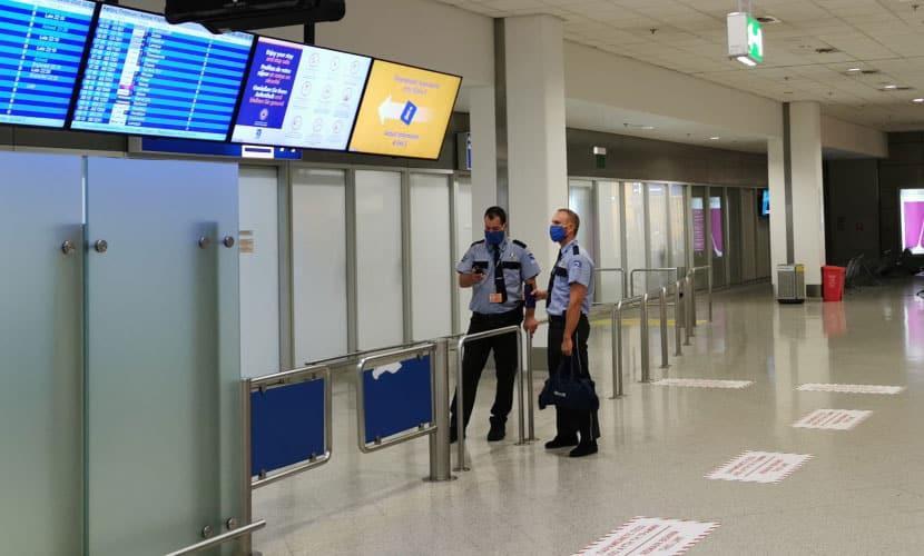 lockdown - αεροδρόμιο