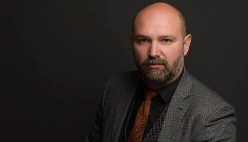 Πάρης Παπαδάκης - Δικηγόρος και πρόεδρος του Συλλόγου Αινήσιο Δέλτα
