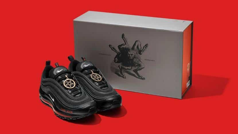 τα «Σατανικά» αθλητικά παπούτσια