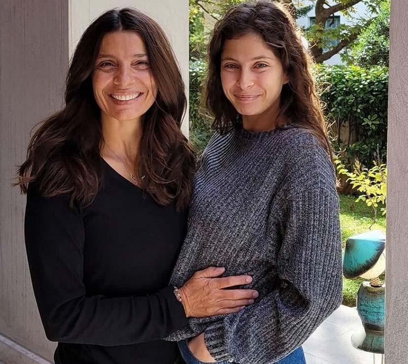 Η Πόπη Τσαπανίδου με την κόρη της Μαρίνα
