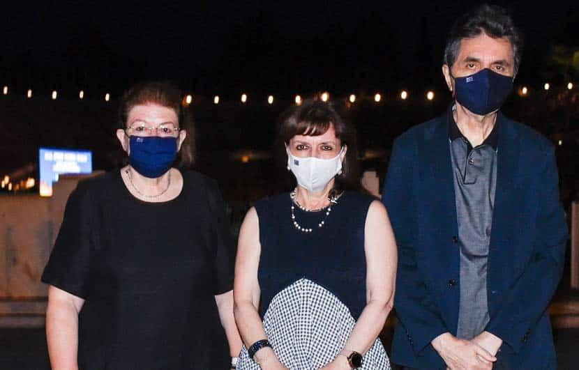 Η υπουργός πολιτισμού κα Λίνα Μενδώνη με την Πρόεδρο της Ελληνικής Δημοκρατίας κα Κατερίνα Σακελλαροπούλου, Παύλος Κοτσώνης